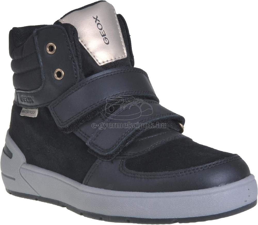 Egész évben hordható gyerekcipő Geox J94AGB 02285 C9999