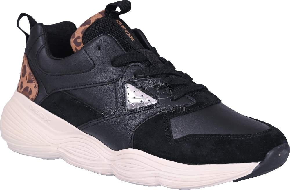 Egész évben hordható gyerekcipők Geox J04CNB 05422 C9BT6